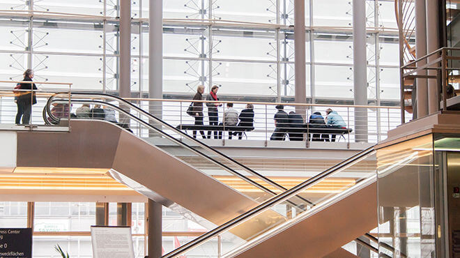 Exhibitors spend too much on trade shows : How to maximize the ROI - KEDGE